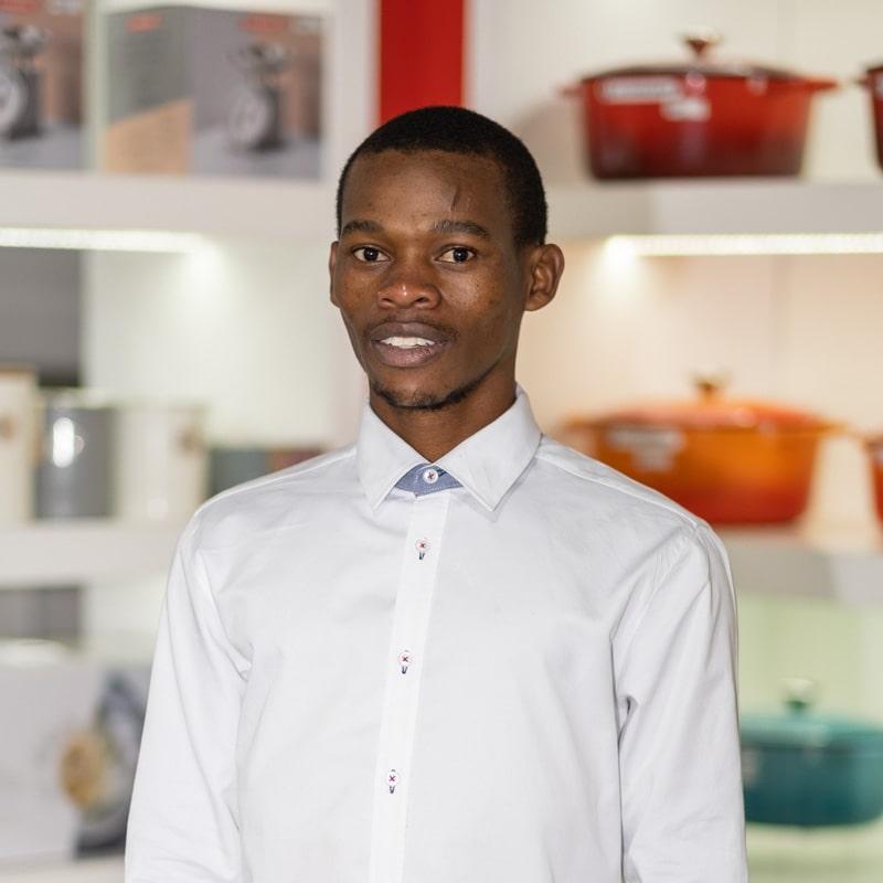 https://media.kitchenique.co.za/20210630122014/kitchenique-staff-profile-1-3-min-1.jpg