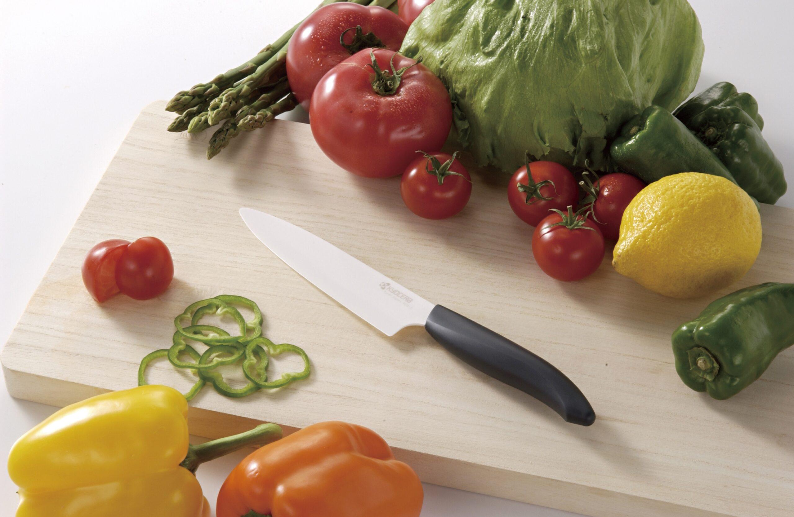 Kyocera Gen Series Tomato Knife Serrated 12.5cm